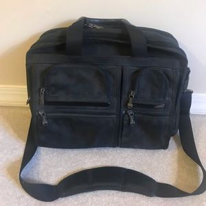 Men's Tumi lab-top messenger bag!